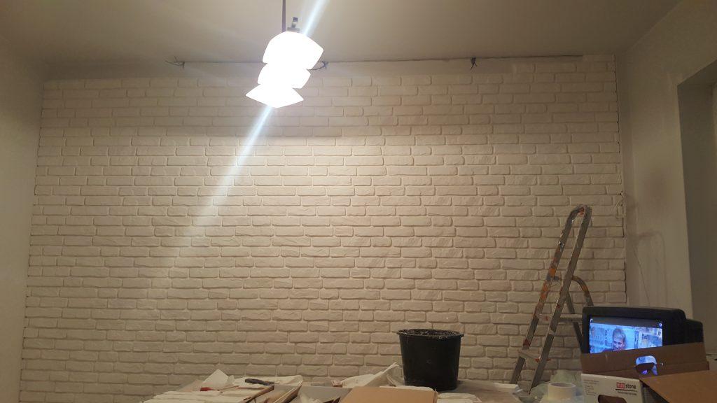 Ściana z cegły białej - remont