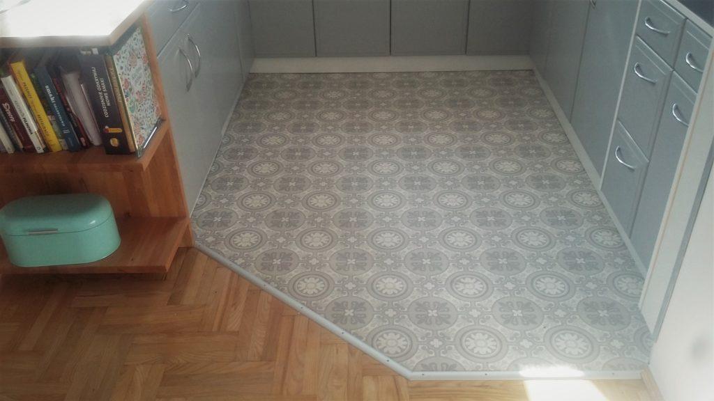 listwa podłogowa - podłoga drewniana i pcv