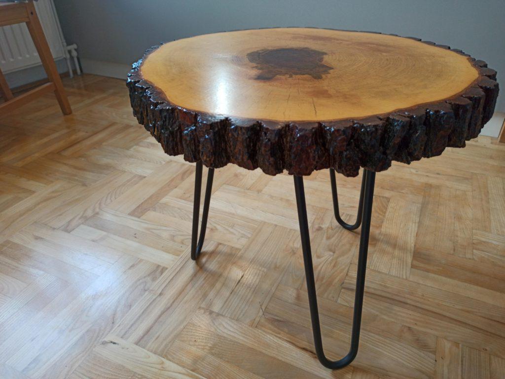 stolik kawowy lakierowany, drewniany