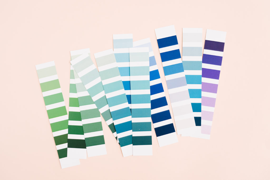 modne kolory ścian i wnętrz 2020