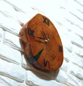 Zegar z plastra drewna - z olchy