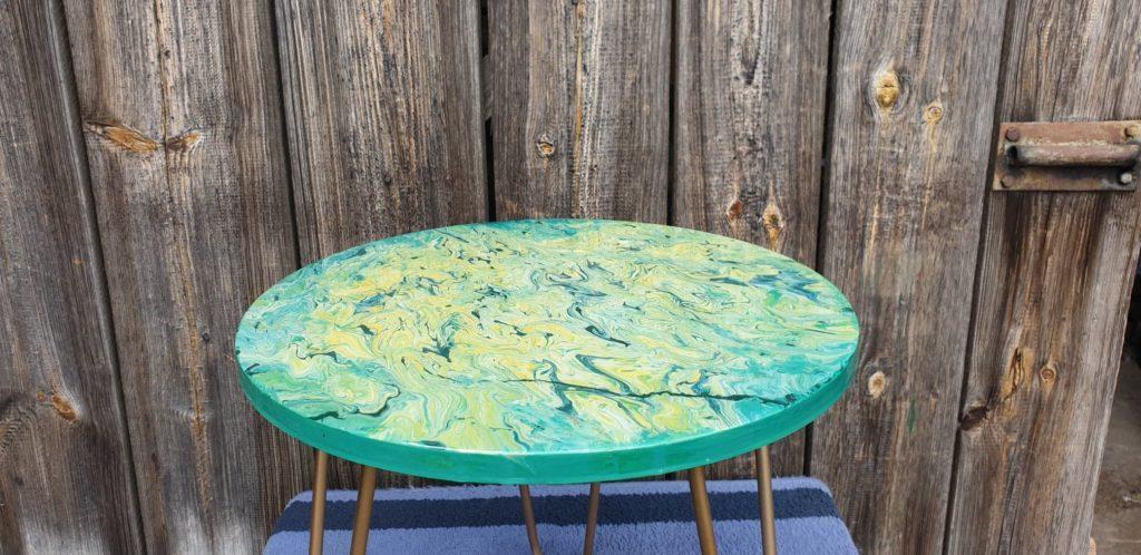 stolik ręcznie malowany